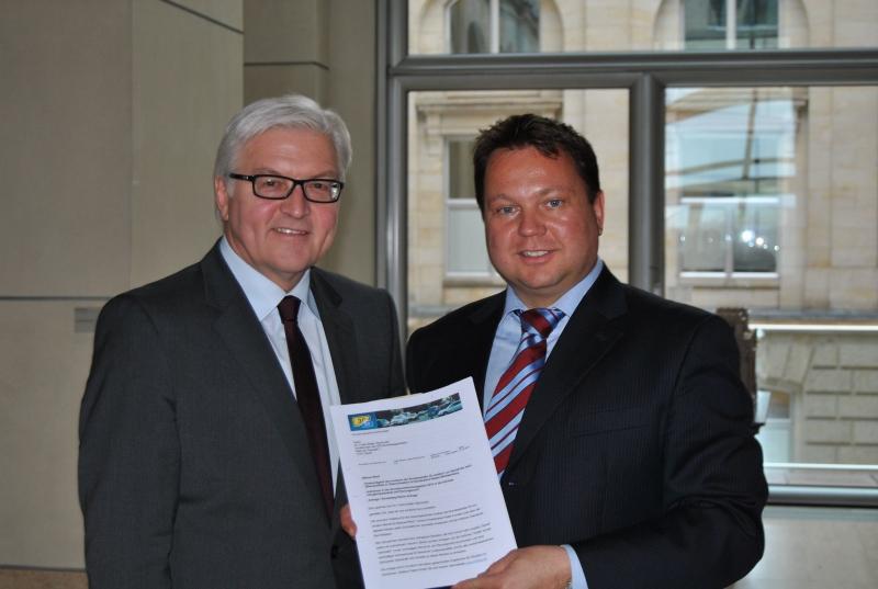Martin Gerster übergibt offenen Brief an Frank-Walter Steinmeier