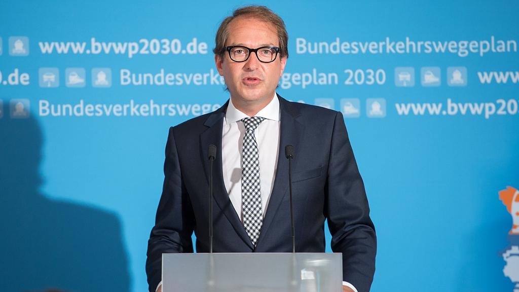 Bundesminister Alexander Dobrindt stellt in Berlin den Bundesverkehrswegeplan 2030 vor